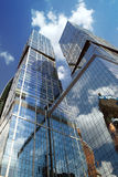 Den internationella affärsmitten för Moskva (MIBC) Stad av huvudstäder mot blå himmel Arkivbild