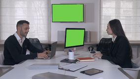 den isolerade bakgrundsaffären partners vitt arbete lager videofilmer