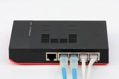 Den isolerade Ethernetströmbrytaren förbinder LAN på den vita bakgrunden Royaltyfri Illustrationer