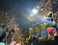 Den italienska populära rapparen Caparezza sjunger under det nya årets konsert royaltyfri bild