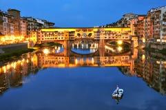 Den italienska staden tänder i Florence, Italien royaltyfria foton