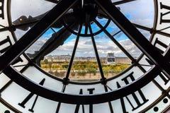Den jätte- klockan av Museen som är dOrsay i Paris royaltyfri bild