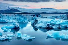 Den Jokulsarlon glaciärlagun royaltyfria bilder