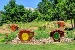 Den jord beskyddade tunnelbanan returnerar nära monteringen Velebit, Kroatien Royaltyfria Bilder