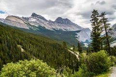 Den kanadensiska Rocky Mountains Royaltyfri Fotografi
