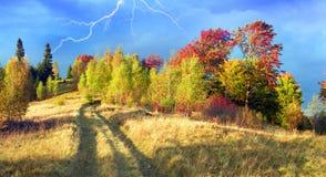 In den Karpaten goldener Herbst Lizenzfreies Stockbild
