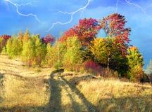 In den Karpaten goldener Herbst Stockfoto
