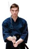 Den Kendo kämpen i hakamautbildning med bokken Royaltyfri Foto