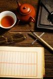 Den kinesiska kalligrafi- och färgpulverstenen ställde in på tabellen Royaltyfri Fotografi