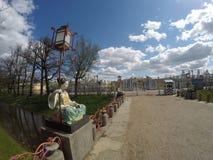 Den kinesiska storslagna bron 1785, rekonstrueras det i 1860 i Alexander Park, Tsarskoye Selo Pushkin, St Petersburg, Ryssland Arkivfoto