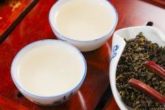Den kinesiska teapoten och kuper Royaltyfri Bild