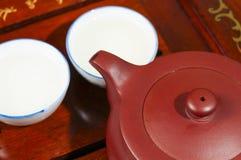 Den kinesiska teapoten och kuper Fotografering för Bildbyråer