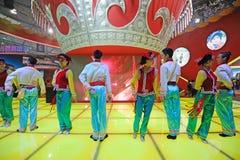 Den kinesiska Yi dansen Royaltyfri Fotografi