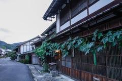 Den Kiso dalen är den gamla staden eller den japanska traditionella träbuilen Royaltyfri Foto