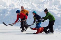 den kiting floden skidar snöig sportvinter Royaltyfri Fotografi