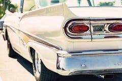Den klassiska bilsvansen tänder närbild Fotografering för Bildbyråer