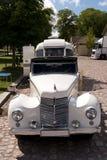 Den klassiska brittiska bilen på den brittiska motorn mötte i den Karlsborg fästningen Royaltyfria Bilder