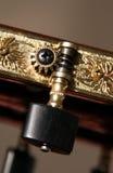 den klassiska gitarren heads maskinen Royaltyfri Foto