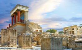 Den Knossos slotten på Kreta, den Grekland Knossos slotten, är den arkeologiska platsen för den största bronsåldern på Kreta och  Royaltyfri Bild