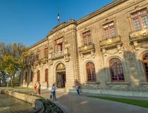 Den koloniinvånareChapultepec slotten, sikter, kulle, parkerar Royaltyfri Bild