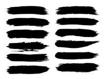 Den konstnärliga grungy svarta målarfärghanden - gjorde den idérika borsteslaglängduppsättningen vektor illustrationer