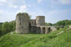 Den Koporskaya fästningen på en solig dag kan in Royaltyfria Bilder