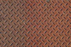 den korrugerade plattan rostade stål Arkivfoto