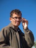 Den kortsynta manen på blåtten Fotografering för Bildbyråer