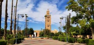 Den Koutoubia moskén Marrakech, Marocko är den mest besökte monumentet royaltyfria foton