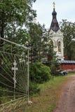 Den kristna kyrkan i territoriet av kloster arkivfoto