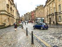 Den kungliga milgatan i den gamla staden för Edinburg, UK Arkivfoto
