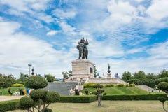 Den kungliga monumentet av konungen Naresuan Arkivbilder