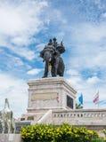 Den kungliga monumentet av konungen Naresuan Arkivfoton