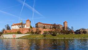 Den kungliga slotten på den Wawel kullen Arkivfoton