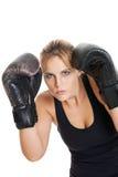 Den kvinnliga boxare i defensiv placerar fotografering för bildbyråer