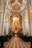 den kyrkliga interioren wien Arkivbilder