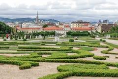 Den lägre belvederen och trädgårdarna i Wien, Österrike arkivfoto