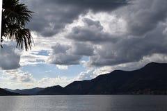Den långa sjön av Iseo på en stormig dag 017 Royaltyfri Fotografi