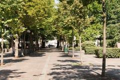 Den långa vägen parkerar in i sommar Fotografering för Bildbyråer