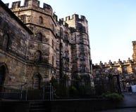 Den Lancaster slotten i England är i mitten av staden arkivfoton