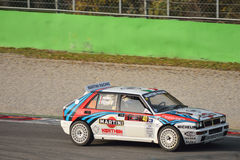 Den Lancia deltan samlar bilen på Monza Arkivbild