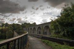 Den Langollen kanalakvedukten och viadukten på Chirk Royaltyfria Bilder