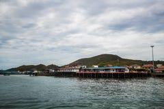Den Larn ön, Pattaya Thailand royaltyfri foto