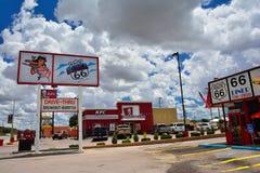 Den legendariska Route 66 matställen är en klassiker på den historiska huvudvägen Route 66 Arkivbild