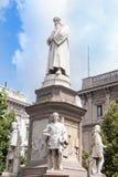 Den Leonardo da Vinci statyn royaltyfri foto