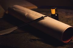 Den Libro anticoen lurar calamaio för penna e Arkivbilder