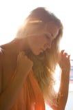 In den Lichtstrahlen des Sonnenuntergangs Stockfotos
