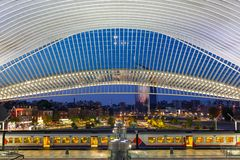Den Liege Guillemins drevjärnvägsstationen utbildar Santiago Calatrava Fotografering för Bildbyråer