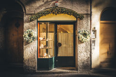 Den lilla boutique shoppar i Österrike Arkivbilder