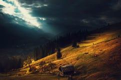 Den lilla byn på berget Arkivfoton